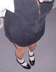 Rosario Smith - - The same black jumper with white socks and black shoes    LOOKBOOK