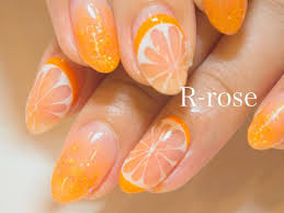オレンジ 繊細なオレンジアートが とってもcute 夏ネイル 夏ネイル