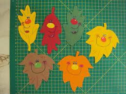 Fensterbilder Tonkarton Herbstfleißiger Igel Junge Mit Besen Und 6