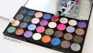 makeup revolution ultra eyeshadows eyes like angels palette review swatches