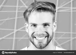 Happy Macho S Vousy Na Neoholený Obličej Vousatý Muž úsměv S Blond