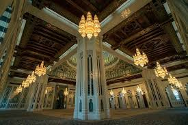 smaller chandeliers of the same design hang throughout the mosque mostafameraji cc by sa 4 0