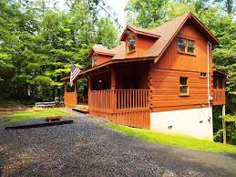 2 bedroom cabin with hot tub and parking