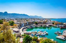قصة الصراع على قبرص وتقسيمها إلى قبرص التركية وقبرص اليونانية