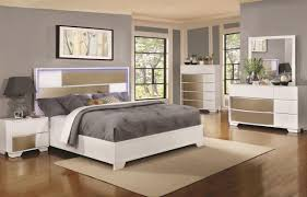 VALENTINO - Modern White Wood Queen L.E.D Panel Bedroom Furniture - 5 Pieces Set