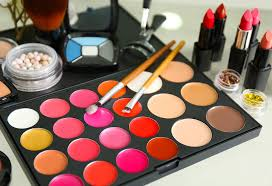 makeup bag essentials makeup s every woman s bag should have