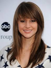 Sweet Medium Blunt Bangs Hairstyle For Women Appearance You Want