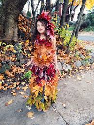 Learn How To Make A Mother Nature Costume. A Dress From Fresh Leaves,  Braided And Pinned. A Simple Halloween Costume How To. Garbage Free, Zero  Waste ...