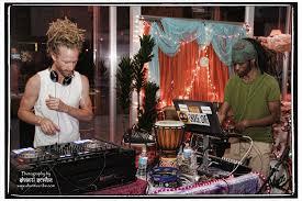 kirtan at urban yoga in palm springs ca with kirtaniyas dj sol rising srikalogy dj drez