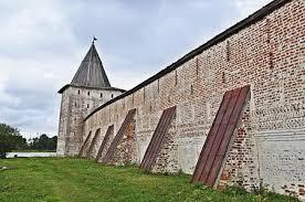 Стена у памятника жертвам Холокоста разрушена в городе Саврань Одесской области - Цензор.НЕТ 708