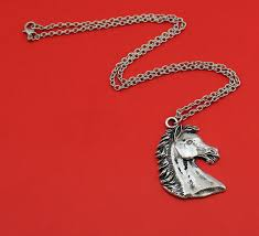 vintage silver tone horse head pendant necklace