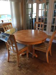 Best Solid Oak Kitchen Table 48 In Diameter For Sale In Montréal