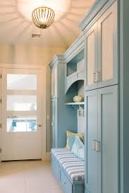 mudroom cabinet and wall paint color combination the mudroom cabinet paint color is benjamin moore