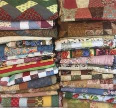 Fairholme Quilters & 28 quilts delivered to a local dementia care centre in December. Adamdwight.com