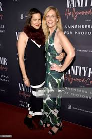 Elizabeth Armour and Lesley Dalton as Vanity Fair And Annenberg Space...  News Photo - Getty Images