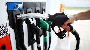 Benzin ve motorine zam geldi! İşte yeni fiyatlar |