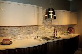 beautiful kitchen backsplash with glass tiles