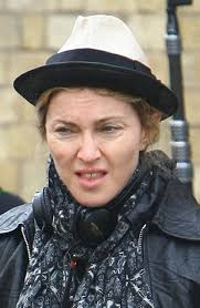 leaving makeup on the cutting room floor on london s streets back in august 2010 maybe she was wearing her best mean no nonsense director s face