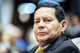 Bolsonaro reúne ministros no Conselho de Governo sem Mourão   Exame