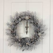 How To Hang Lighted Wreath On Door Silver Wreath 26 Inch Pre Lit Wreath Lighted Wreath