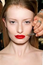 how to prevent lipstick bleeds