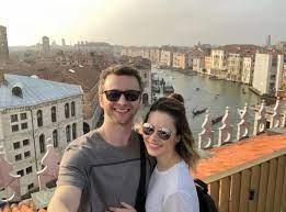 Sandy relembra viagem para Itália com o marido Lucas Lima: