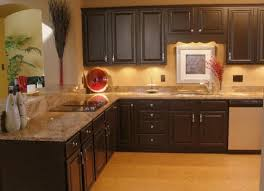 kitchen cabinets with granite countertops: brown kitchen cabinets with granite countertops color combination for kitchen cabinets design ideas