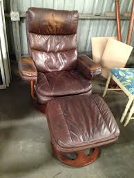 Lane Furniture Cuir Leather Recliner Ottoman In Good Condition