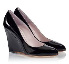 black patent leather single sole pointed wedge pumps