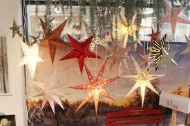 Weihnachtssterne Im Fenster Erhellen Jedes Kleine Dorf