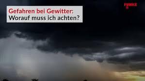 Der wetterdienst warnt auch am freitag vor lokalen unwettern. Gewitter In Nordrhein Westfalen Starke Regenfalle In Bochum Waz De