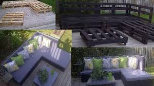 Redditor torontoitguy posted photos of a outdoor sectional sofa that he  created from wooden pallets.
