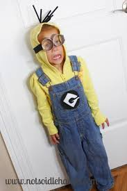 deably cute and easy minion costume by notsoidlehands com