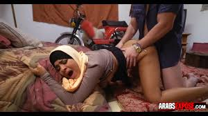 Arab hijab clad lady gets screwed in the bedroom Shameless