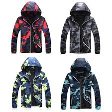 Couple Jacket Design New Casual Jacket Camouflage Reflective Zipper Design Windbreak Hooded Coat Anti Uv Couple Models Denim Jackets Mens Coat From Yakima 37 22
