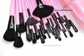 brushes available in 32 pcs mac brush set