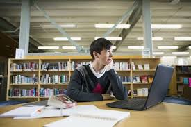 writing a college essay isn t easy here s what to do houston admissions officers want to a slice of life that allows them to better