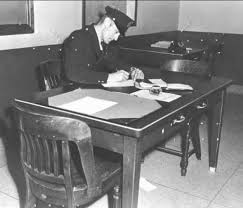 st louis police veteran s historical photos of police officer  photo of retired saint louis police officer melburn f stein writing the police report for