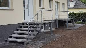 Grundsätzlich lassen sich alle aus beton gegossenen treppenkonstruktionen mit unseren fliesen belegen. Treppengalerie Bilder Gefertigt Von Treppen Stubing