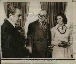 1974 Press Photo President Nixon Dean Burch, Mrs Burch at White House -  Historic Images