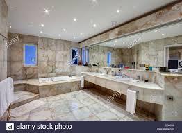 Marmor Badezimmer Luxus Villa Stockfoto Bild 61870318 Alamy