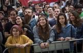 משחק מסוכן: בני הנוער מפעילים נפצים ברחובות פתח תקווה ונמלטים (וידיאו)