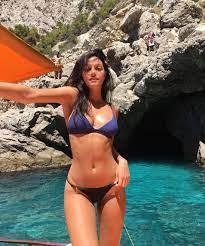 Oriana Sabatini in grande forma: la prova costume è superata