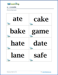 Students look at the pictures and circle the correct word. Free Phonics Flashcards K5 Learning
