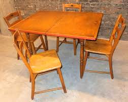 Round Pine Kitchen Table Apartments Delectable Maple Kitchen Table Obobkebumennewsco Top