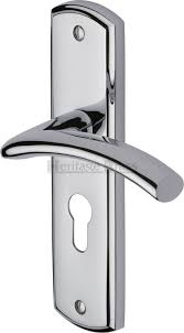 polished chrome cen1048 pc centaur door handle