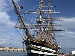 Marina militare: la nave scuola Amerigo Vespucci aperta al  pubblico