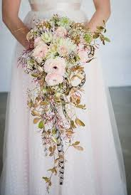 20 stunning cascading bouquets expert tips from florists