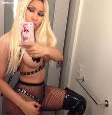 Nicki Minaj Bikini Pics   Hot Body  Swimsuit  and Beach Photos Nicki Minaj Lil Wayne sex tape