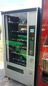 Royal 550 Vending Machine New 48 VENDING MACHINES 48 SNACK AND 48 SODA MACHINE For Sale In Pompano